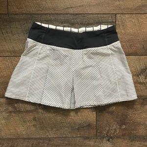 Lululemon Fast Cat Skirt sz 2